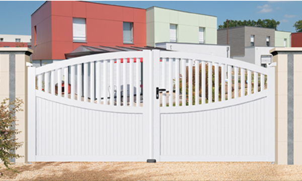 portail-residence-pvc-1