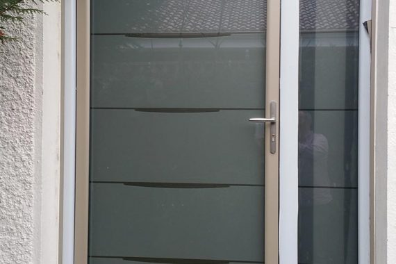 porte-entree-renovation-aluminium-modele-yoga